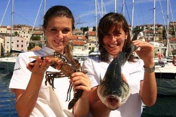 Kroatien  Kvarner  Insel Losinj  Stadthafen Mali Losinj  Restaurant Baracuda