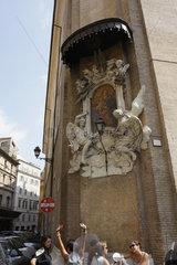 unterhaltung in die roemische Innenstadt