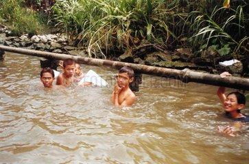 spielen Kinder baden