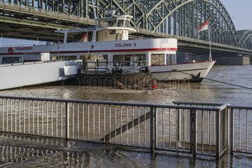 Rheinhochwasser in Koeln