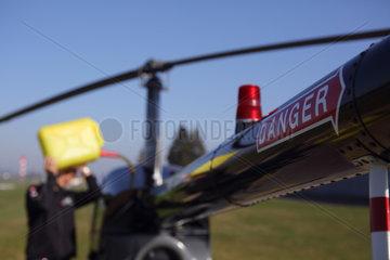 Beromuenster  Schweiz  Hubschrauber wird betankt