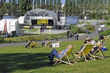 Blick in den Sommergarten auf dem Messegelaende auf der Internationalen Funkausstellung IFA 2011  Berlin  Deutschland Europa