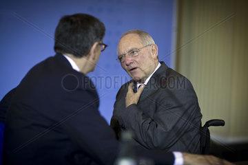 Pressekonferenz Schaeuble Lew