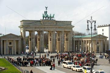 Berlin  Deutschland  das Brandenburger Tor am Pariser Platz