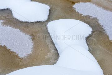 Eisstrukturen in einem Bach  Korouoma Naturreservat  Finnland