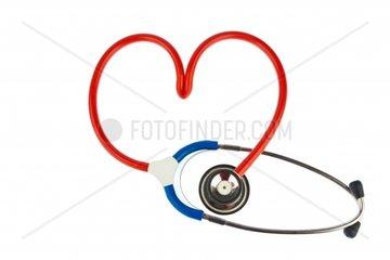 Ein Stethoskop in Herzform Symbolfoto fuer Herzkrankheit und Herzinfarkt