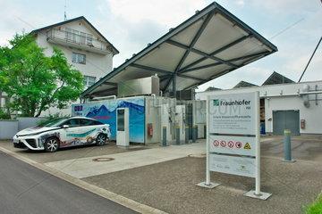 Solare Wasserstofftankstelle des Fraunhofer-Instituts ISE in Freiburg
