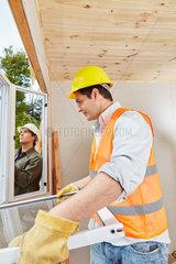 Fenstermonteur bei Fenster Montage