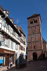 Zabern  Frankreich  romanischer Westturm der Pfarrkirche Notre-Dame-de-la-Nativite