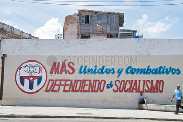 Havanna  Kuba  Werbung fuer den Sozialismus an einer Wand