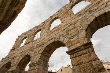 Verona  Italien  Fassadendetail der Arena von Verona