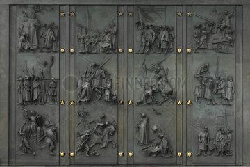 Prag  Tschechien  Metallschild am Vitkov-Denkmal