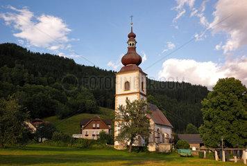 Afritz am See  Oesterreich  die roemisch katholische Kirche St. Nikolai