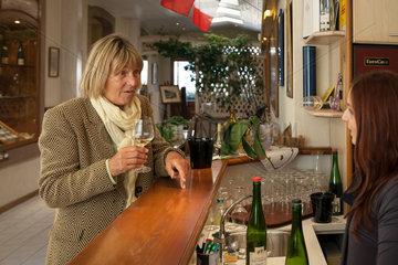 Guebwiller  Frankreich  Empfang bei der traditionellen Weinkelterei Domaines Schlumberger