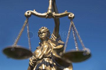 Justizia-Statue