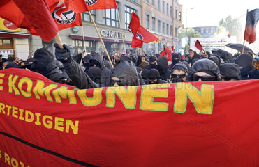 revolutionaere 1. Mai - Demonstration in Berlin-Kreuzberg
