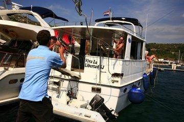 Kroatien  Nord-Dalmatien  ACI-Marina Kremik  Anlegemanoever