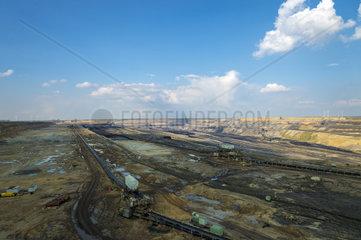 Der Tagebau Garzweiler II im Sonnenschein