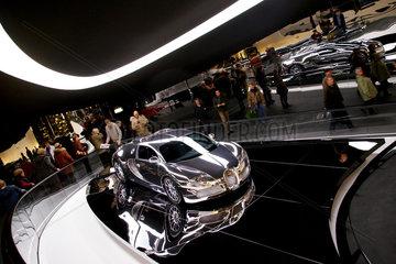 Wolfsburg  Deutschland  ein Bugatti Veyron in der Autostadt