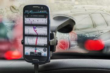 Smartphone mit Navigations-App