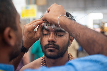 Singapur  Republik Singapur  Teilnehmer beim Thaipusam-Fest in Little India