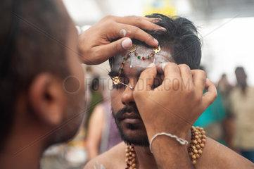 Singapur  Republik Singapur  Teilnehmer beim Thaipusam-Fest in Little India