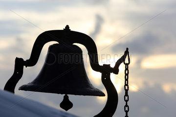 Pass a Grille  USA  Silhouette einer Glocke