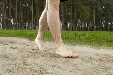 laufen auf einem Sandweg