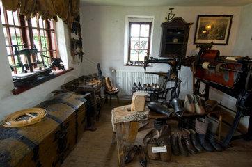 Gingst  Deutschland  die Schuhmacher-Stube im Handwerksmuseum Gingst