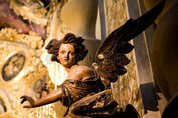 Sevilla  Spanien  Engelstatue der San Luis de los Franceses Kirche