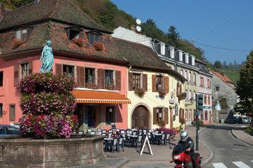 Markirch  Frankreich  Hauptstrasse in der Gemeinde