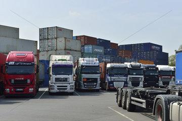 Deutschland  Nordrhein-Westfalen- Binnenhafen in Duisburg