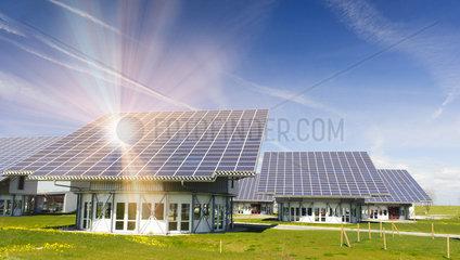 Solardach fuer alternative Energiegewinnung mit Sonnenstrahlen