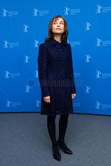 Berlin  Deutschland  Schauspielerin Isabelle Huppert auf der Berlinale