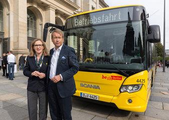 Berlin  Deutschland  Sigrid Nikutta  BVG-Vorstandsvorsitzende  und Ulrich Nussbaum  Berliner Finanzsenator