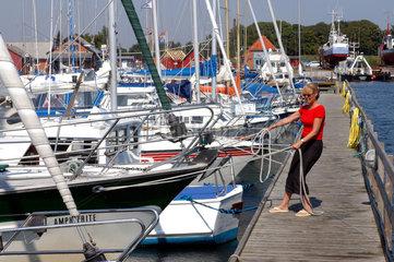Hals  Daenemark  Segelboote im Hafen