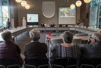 Wahlpraesentation zur Landtagswahl im Ratssaal der Gemeinde Wadersloh