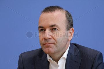 Bundespressekonferenz zum Thema: Zu den Herausforderungen fuer Europa  Deutschland und die EVP sechs Monate vor den Europawahlen
