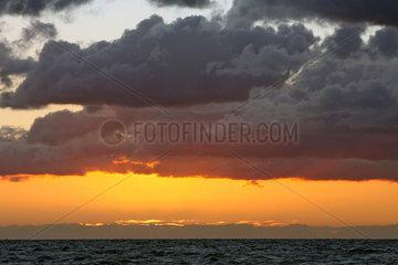 Bojendorf  Deutschland  untergehende Sonne an der Ostsee