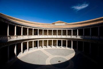 Granada  Spanien  Innenhof des Palastes von Koenig Karl V.