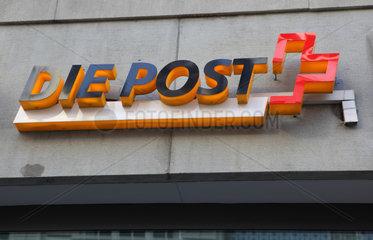 Zuerich  Schweiz  Schriftzug Die Post an einer Hausfassade