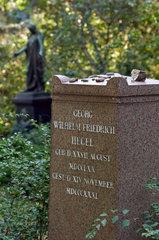 Berlin  Deutschland  Grab von Georg Wilhelm Friedrich Hegel auf dem Dorotheenstaedtischen Friedhof