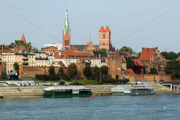 Thorn  Polen  Blick ueber die Weichsel auf die Altstadt