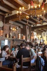 Santa Fe  USA  voll besetztes Restaurant in Santa Fe