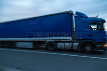 Prag  Tschechien  LKW auf der Autobahn E65
