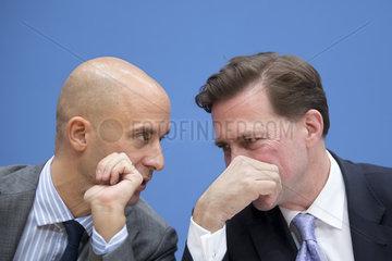 Christofer Burger  Steffen Seibert  Bundespressekonferenz