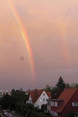 Berlin  Deutschland  Regenbogen nach einem Gewitter