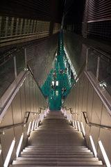 Singapur  Republik Singapur  Treppenzugang zur U-Bahnstation Stadium