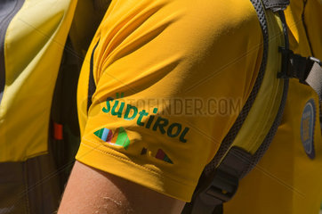 Welschnofen  Italien  Schriftzug Suedtirol auf einem Polo-Shirt