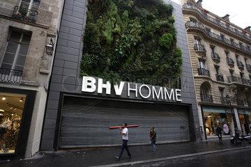 Paris  Frankreich  BHV Homme  ein Kaufhaus fuer Maenner